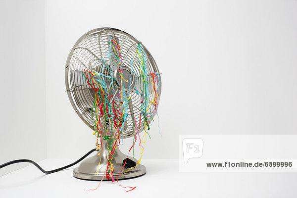 Elektrischer Ventilator mit Luftschlangen