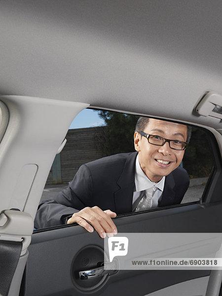 sehen  Geschäftsmann  Auto