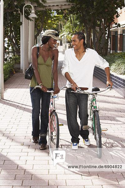 Paar Biken