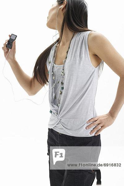 Frau mit MP3-Player