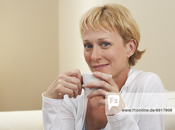 Portrait  Frau  trinken  Kaffee