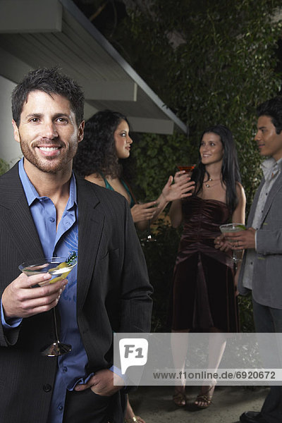 Mann auf Party