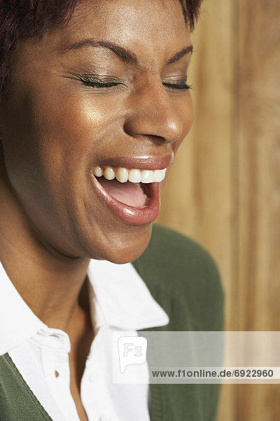 Porträt von Frau lachen