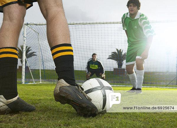 Mensch  Menschen  Fußball  spielen
