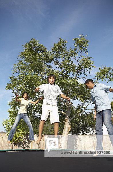 springen  Trampolin
