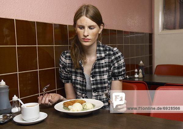 Abendessen  Frau  Restaurant  essen  essend  isst