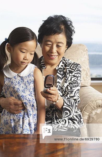 Handy  Enkeltochter  Großmutter