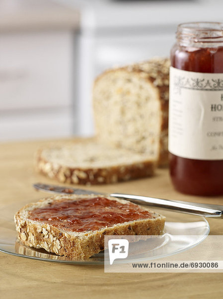 Brot  Marmelade