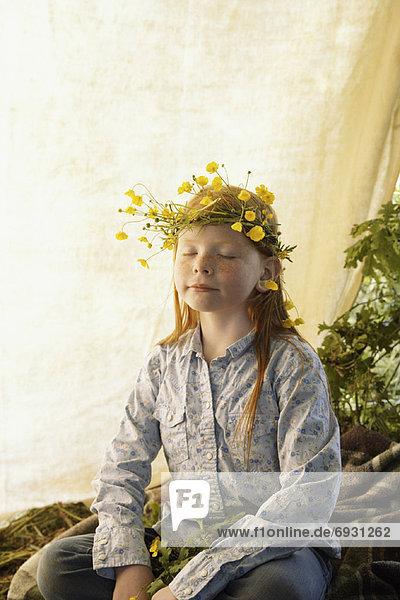 Portrait  Wildblume  Kleidung  Mädchen  Krone