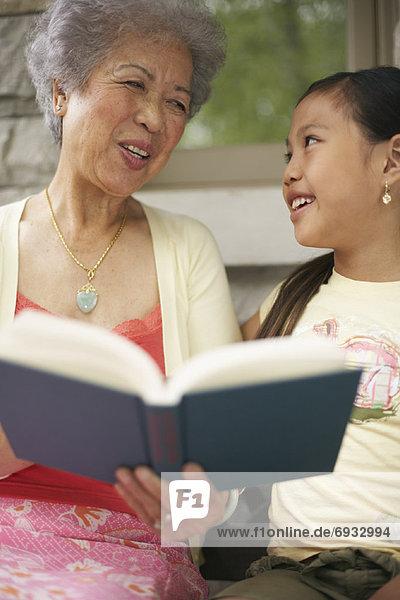 Buch  Enkeltochter  Großmutter  Taschenbuch  vorlesen