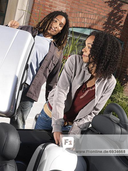 beladen  Auto  Koffer