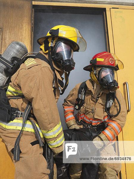 tragen  Gebäude  Rauch