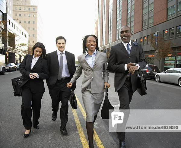Außenaufnahme  Mensch  Menschen  gehen  Business  freie Natur