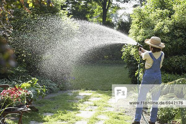 Wasser Frau Garten
