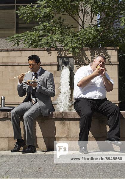 Geschäftsleute Mittag-essen