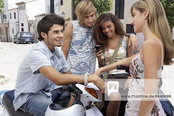 Außenaufnahme  Jugendlicher  freie Natur