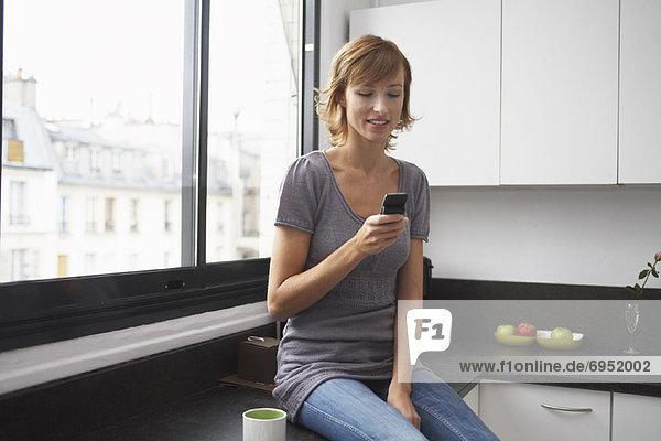 Handy  Paris  Hauptstadt  Frankreich  Frau  Küche