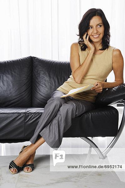 Handy Frau sprechen