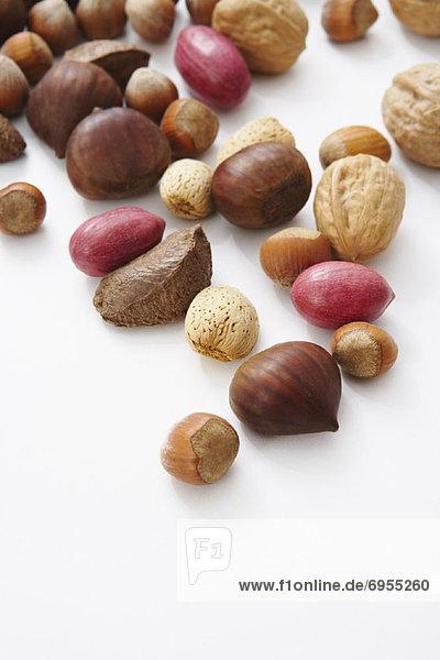 Veschiedene gesalzene Nüsse