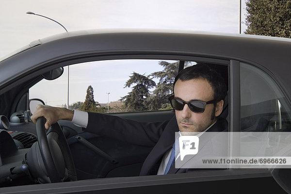 Mann fahren Auto