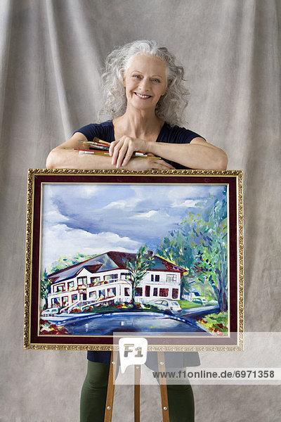 Portrait Frau Pose streichen streicht streichend anstreichen anstreichend