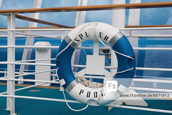Schwimmweste  Kreuzfahrtschiff