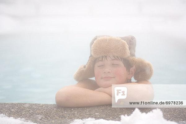 Entspannung Junge - Person klein Wintersportort Außenaufnahme