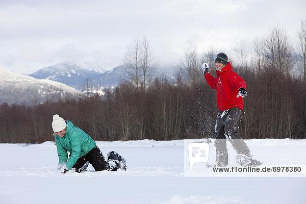 Kampf  Kleidung  Schneeschuh  British Columbia  Kanada  Schneeball
