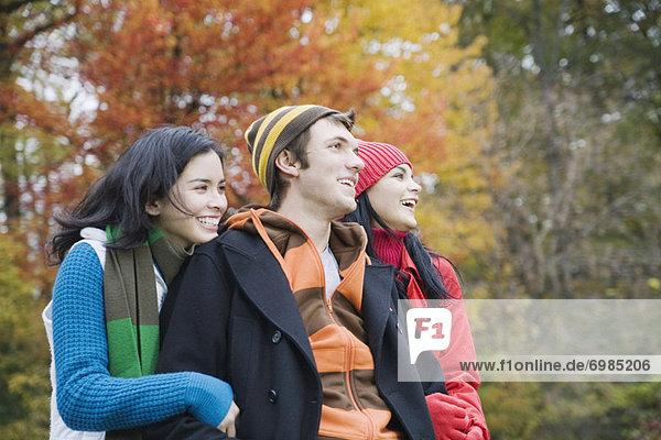 Außenaufnahme  Freundschaft  Herbst  freie Natur