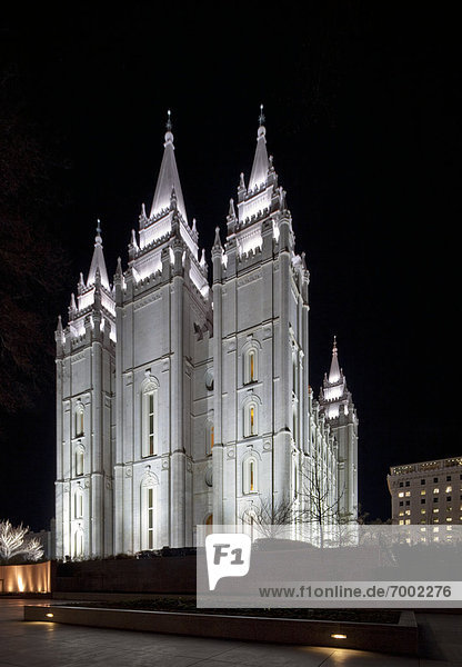 beleuchtet  Nacht  Kathedrale  Gotik