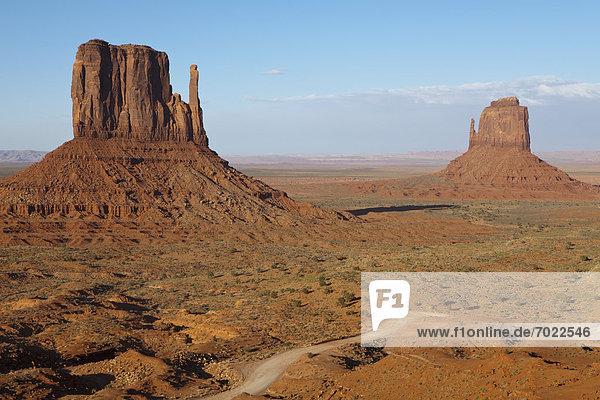 Fernverkehrsstraße  Wüste  schmutzig  Hochebene