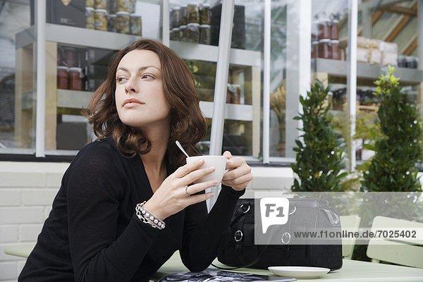 Frau  trinken  Cafe  Kaffee