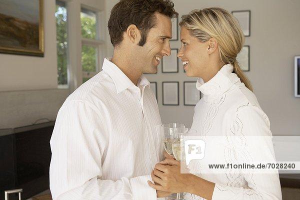 halten  Mittelpunkt  trinken  Erwachsener  Champagner