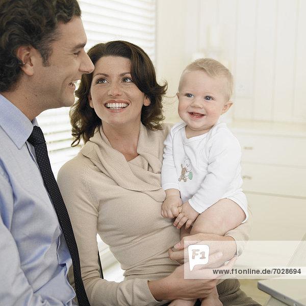Junge - Person  Mittelpunkt  0-1 Jahr  0 bis 1 Jahr  Erwachsener  Baby