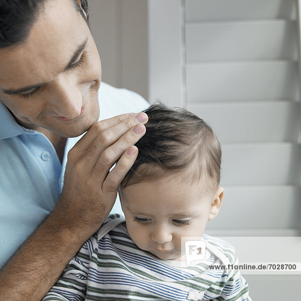 Junge - Person  Menschlicher Vater  1-2 Jahre  1 bis 2 Jahre  Baby