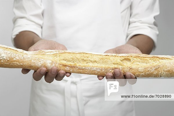 Baguette  Anschnitt  halten  Mittelpunkt  Köchin