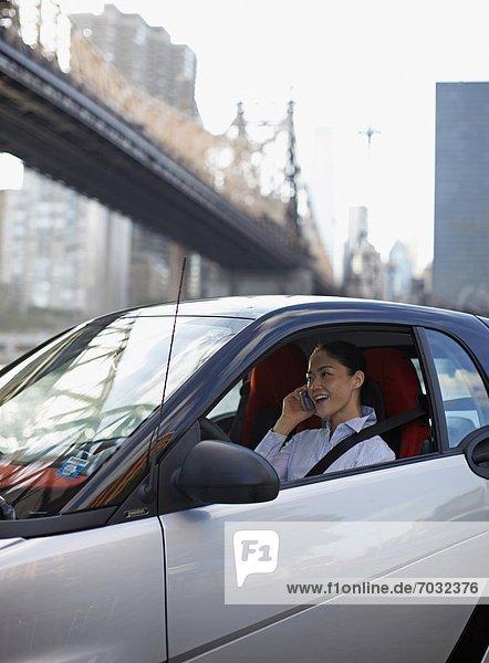 Handy  Frau  Auto  Erwachsener Mittleren Alters  Erwachsene Mittleren Alters