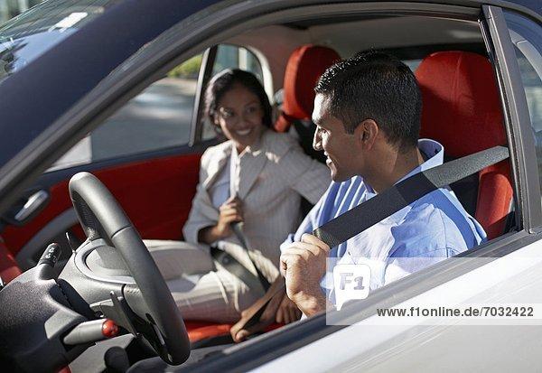 Anschnallgurt Gurt Auto Erwachsener Mittleren Alters Erwachsene Mittleren Alters verbinden