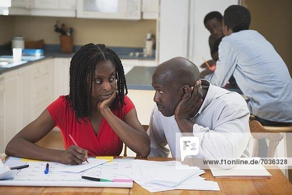 anprobieren  Menschliche Eltern  Hausarbeit  Streß  Rechnung  rechnen