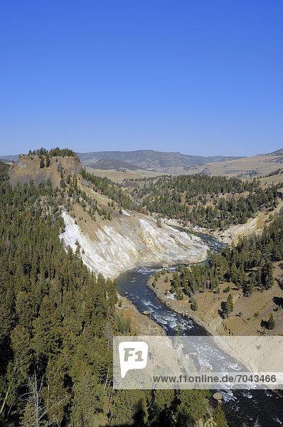 Calcite Springs und Yellowstone-Fluss  Yellowstone Nationalpark  Wyoming  USA