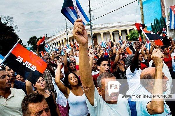 Fest  festlich  Bruder  Unterstützung  Fahne  Anfang  Kuba  kubanisch  Wasserwelle  Welle