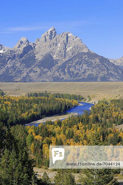 Snake River vor der Teton Range im Herbst  Grand Teton Nationalpark  Wyoming  USA