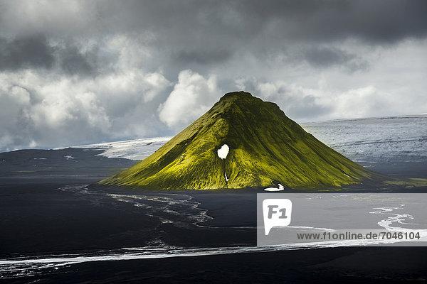 Aerial view  moss-covered MÊlifell Mountain  black sand of MÊlifellssandur Desert  Icelandic Highlands  Iceland  Europe