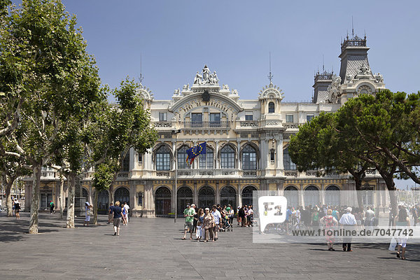 Hafenamt  Port de Barcelona  Port Vell  Barcelona  Katalonien  Spanien  Europa  ÖffentlicherGrund