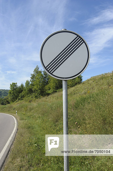 Road sign  end of the speed restriction  Schorndorf  Baden-Wuerttemberg  Germany  Europe