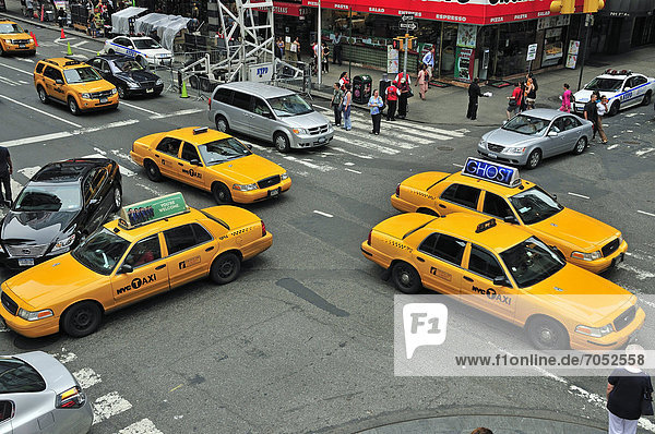 Rush hour  taxis in Times Square  Midtown  Manhattan  New York  USA  North America  PublicGround