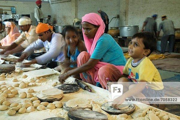 Freiheit geben Lebensmittel Vorbereitung Hintergrund Gast sprechen Asien Kantine Indien