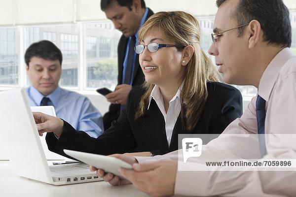 Zusammenhalt  Mensch  Menschen  arbeiten  Hispanier  Business
