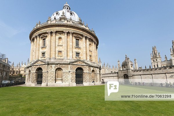 Mandatory Credit: Photo by Eye Ubiquitous / Rex Features (1906327a) The Radcliffe Camera built by James Gibbs between 1737 and 1749 forms part of University's Bodleian Library Oxford Oxrfordshire England England