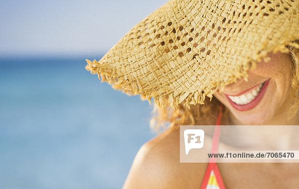 hoch  oben  nahe  Frau  lächeln  Hut  Sonne